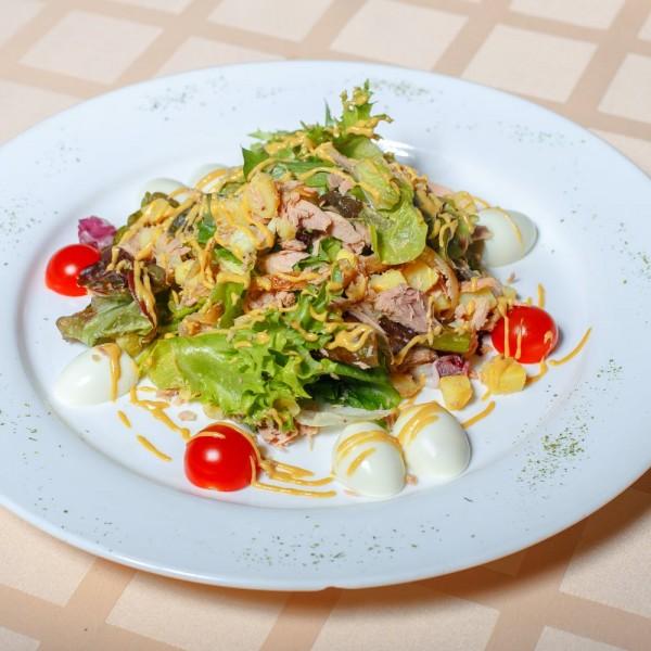 Салат с тунцом «Нисуаза»